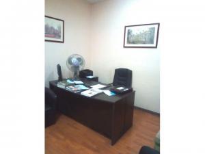 Oficina muy central, ideal Abogados, 2 privados, 2 baños más recepción, cerca Juzgados