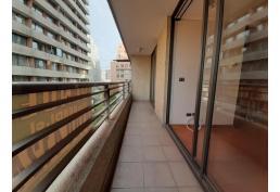 Vendo Metro R. Lyon,  1 dormitorio baño terraza estacionamiento